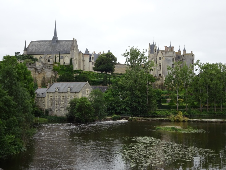 Montreuil-Bellaye